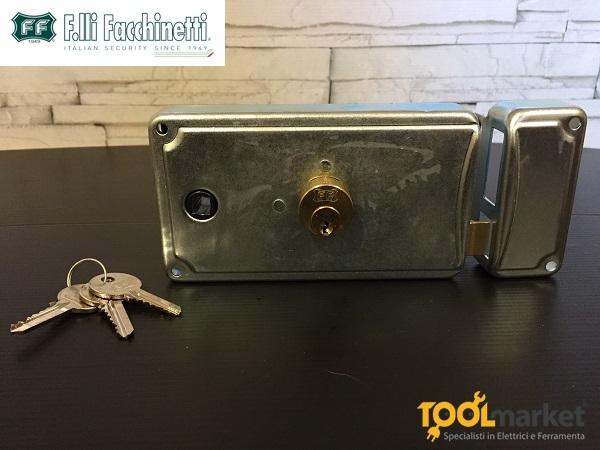 FF serratura zincata con scrocco a due mandate e quadro maniglia 8mm per ferro p38