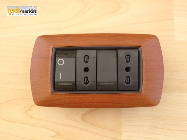 Coprinterruttore LIFE legno chiaro 4p