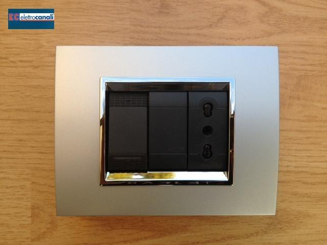 Coprinterruttore PRESTIGE alluminio satinato 3p