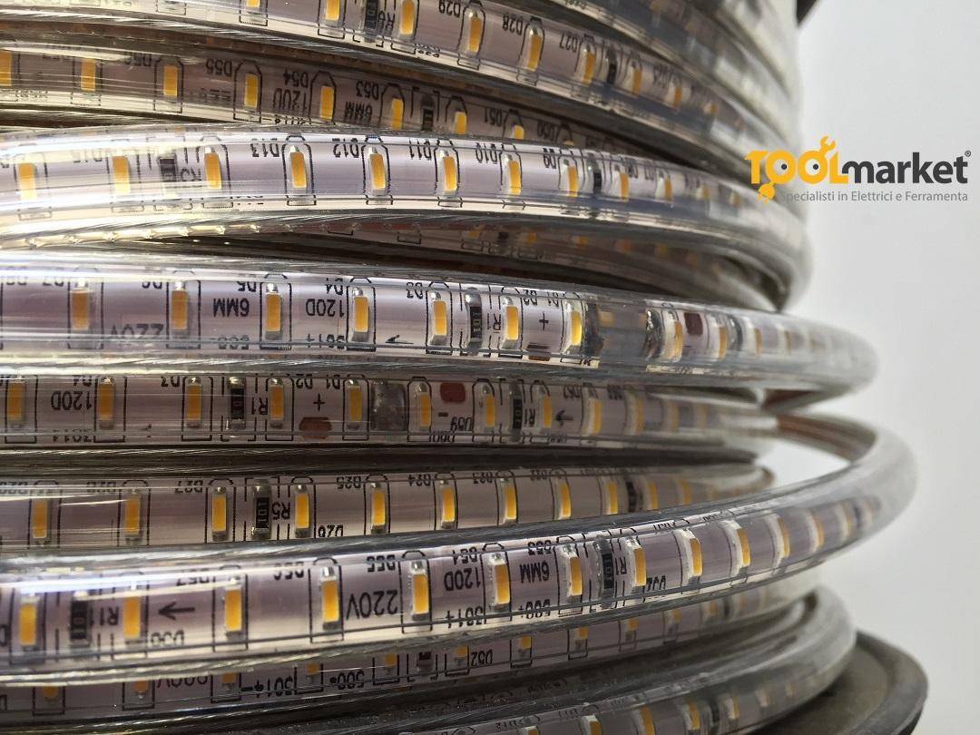 Striscia LED 220v luce calda
